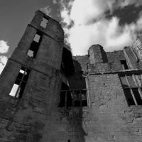 RL-Kenilworth-Castle-Leicesters-building-from-S-mono
